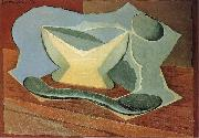 Bottle and cup Juan Gris