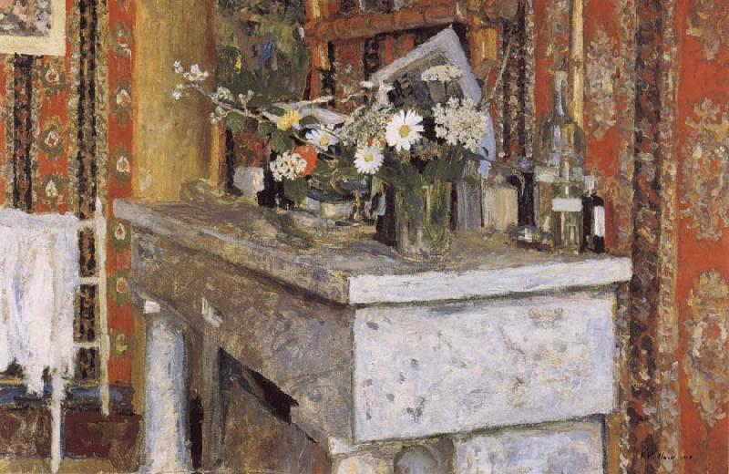 Edouard Vuillard The Mantelpiece